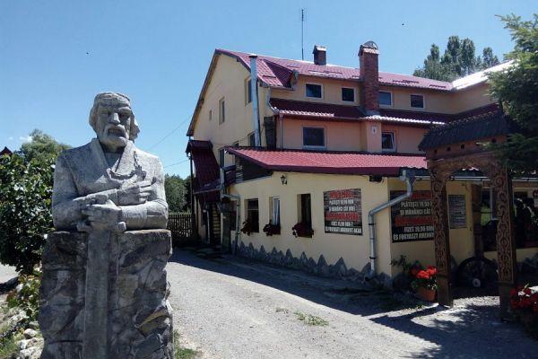 pensiunea-restaurant-dozsa-panzio-etterem-03ADD447B4-7C05-DC73-03DD-82C1D4DE5D90.jpg