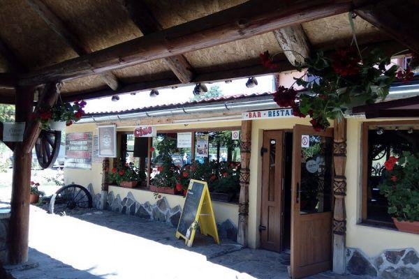 pensiunea-restaurant-dozsa-panzio-etterem-10AB89986F-9756-1B61-591F-D39E97106A92.jpg