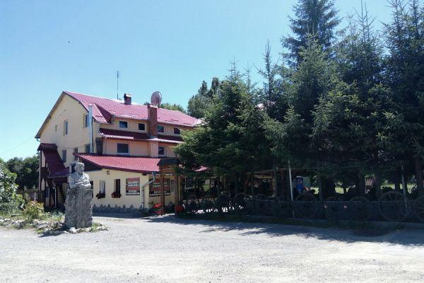 pensiunea-restaurant-dozsa-panzio-etterem-1467361579-4272-1700-24D7-42EF89CC2C0E.jpg