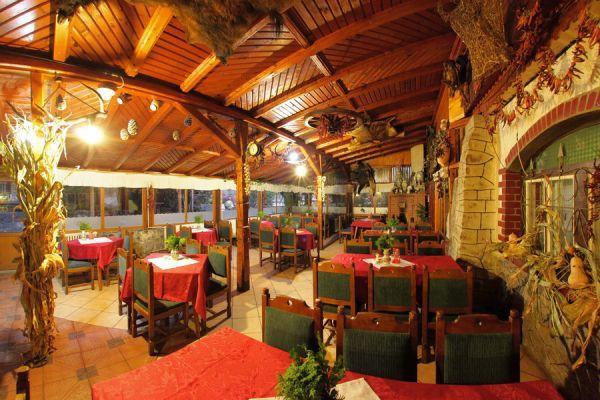 varpanzio-etterem-restaurant-cetate-baile-balvanyos-02729E87FE-2F67-CE54-1C75-1354F8DA11D4.jpg