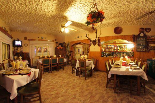 varpanzio-etterem-restaurant-cetate-baile-balvanyos-03DCDFDAB9-8C0D-8877-0A36-062E6CB314C6.jpg
