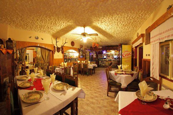 varpanzio-etterem-restaurant-cetate-baile-balvanyos-059D3A5741-D4E7-95B8-ACB0-BBE0CE09B0CE.jpg