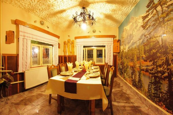 varpanzio-etterem-restaurant-cetate-baile-balvanyos-06B7FBE521-6860-2870-BD50-2B1D3A4BE89F.jpg